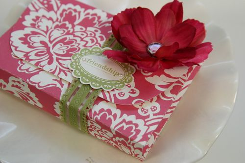 Gift Box from Pretty Packaging printable kit